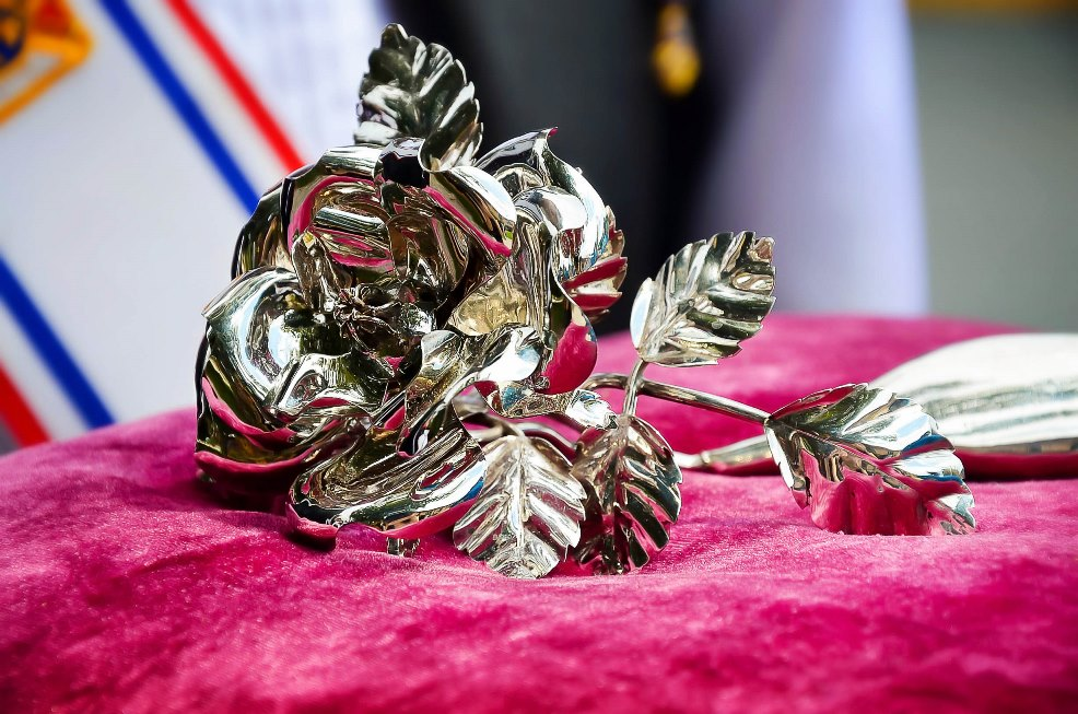 Silver Rose carries message of Life across the Americas