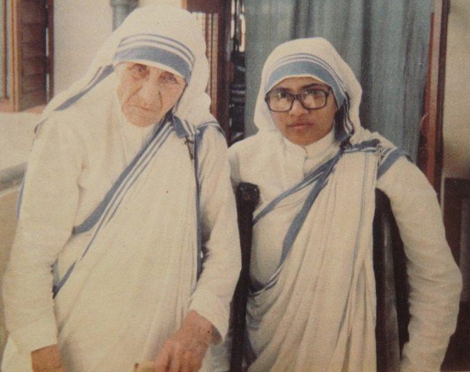 Mother Teresa with Kalyani A. Raju at the Mother House in Kolkata, India. (COURTESY)