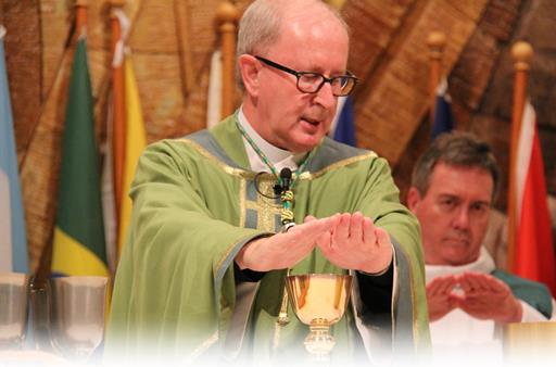 heritage-mass-bishop-lr